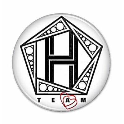 Team H - hűtőmágnes, vagy kitűző