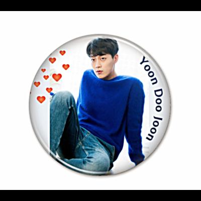 Yoon Doo Joon - kitűző